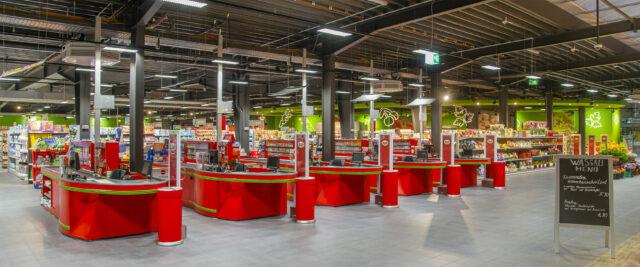 Kassenbereich in einem WASGAU-Frischemarkt