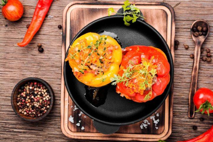 Gefüllte Paprika (vegetarisch) - Rezept Bild
